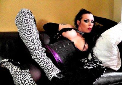 MadameYve - fetisch sexcam